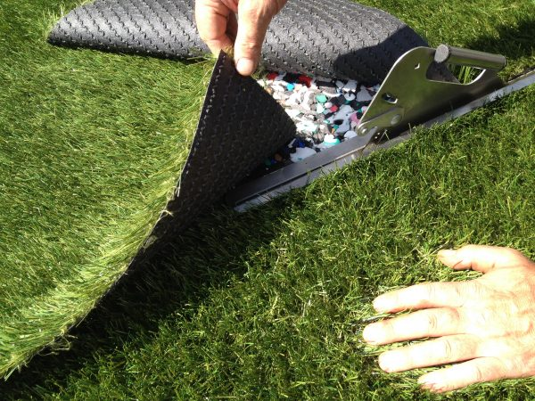 how to cut synthetic grass